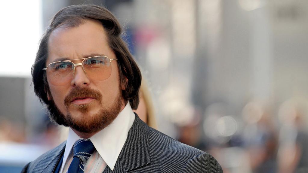 Bizarrísimo look de Christian Bale en American Hustle